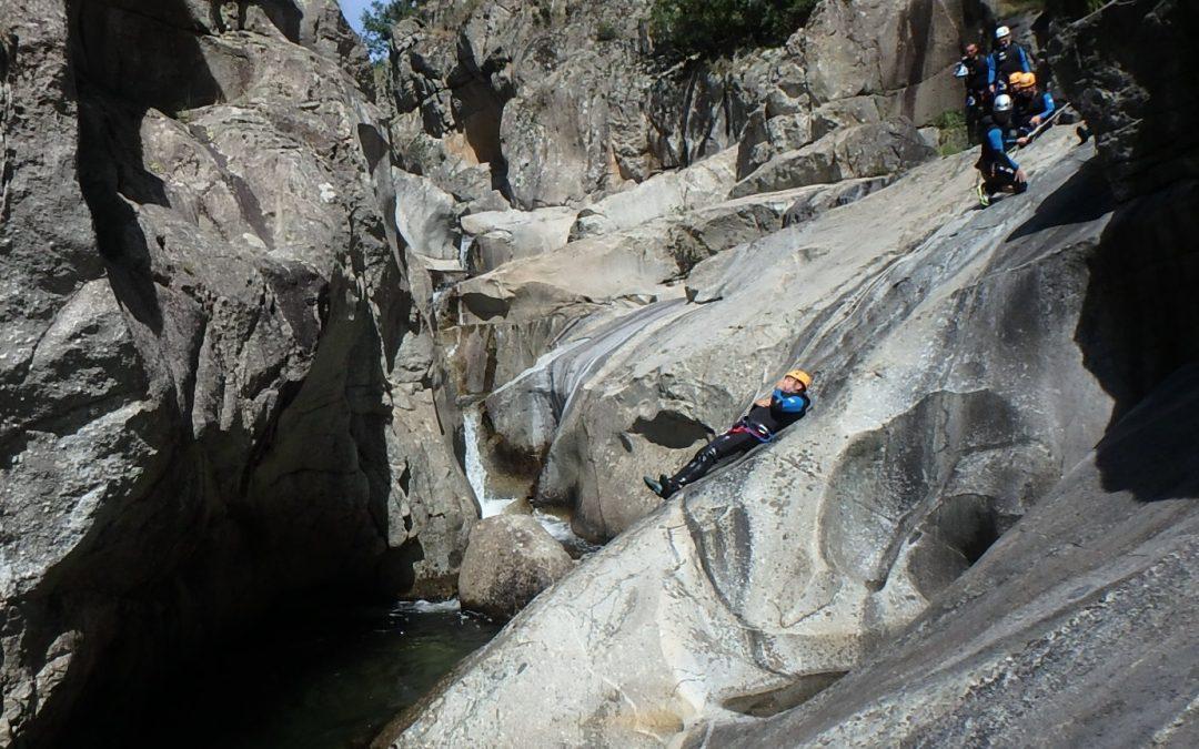 Découvrir les Gorges de l'Ardèche en canyoning